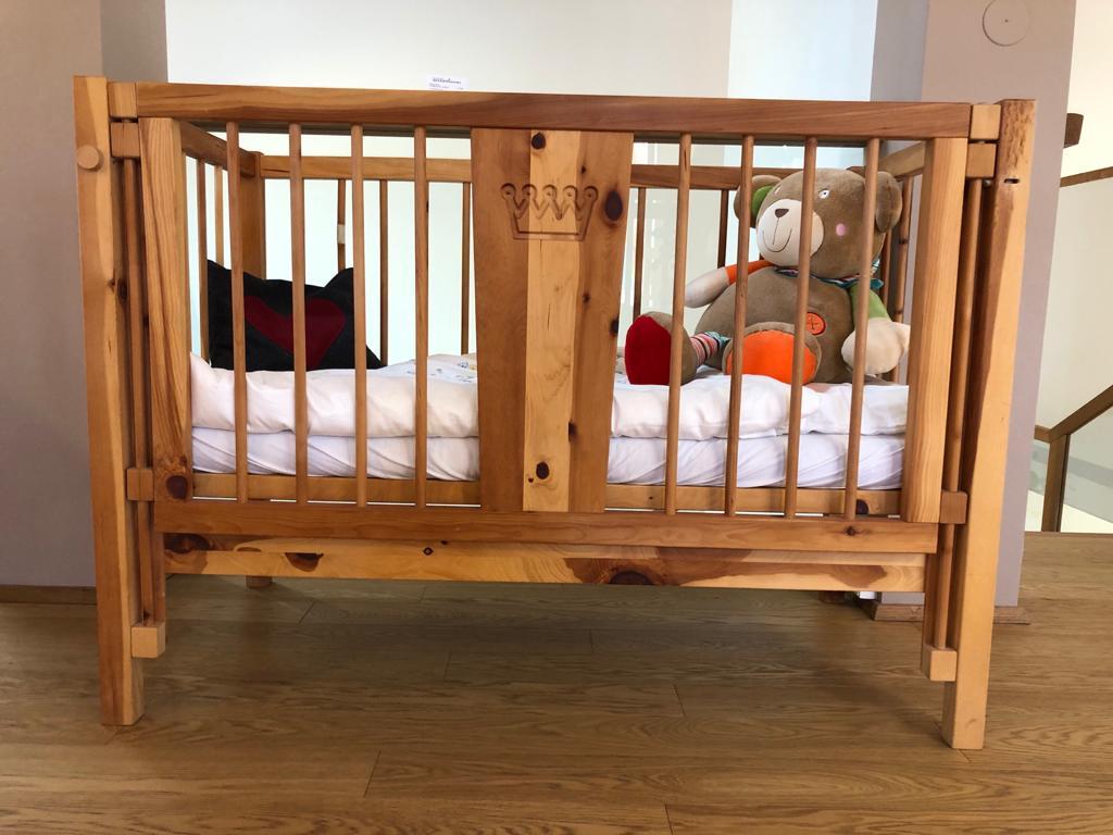 Gitterbett in Zirbe